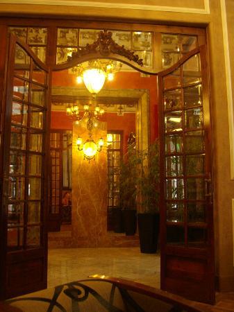 Nouvel Hotel: Ingresso lounge