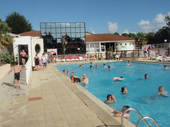 Siblu Villages - Le Bois Masson : The pool area at Le Bois Masson