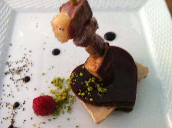 La Voile Blanche: foie gras et brochette de canard