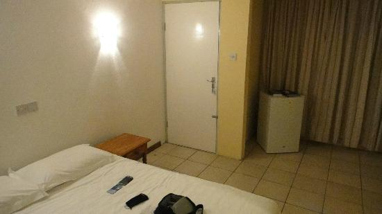 Panorama Guesthouse Beau Vallon: a very boring room & un-inviting!