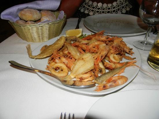 Punta Secca, Italy: magnifico fritto!! doppio SLURP!!