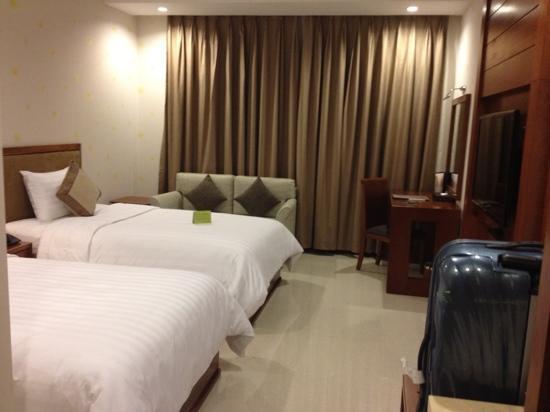 Aquari Hotel: twin