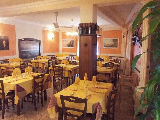 Comano, Italia: ristorante galletti