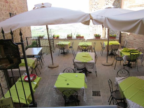 Osteria del Borgo: A great place to have breakfast in the morning.