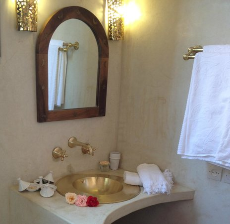 Riad Houdou: salle de bains suite