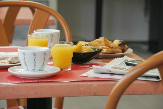 Inter Hotel Arion : Salle petit déjeuner