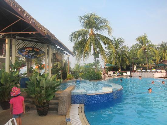 Flamingo Hotel By The Beach Penang Jaguzzi Pool Bar