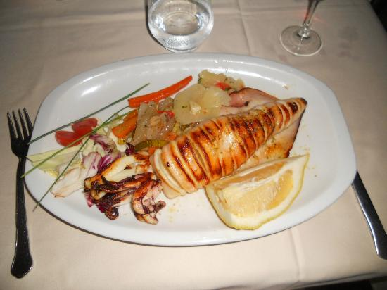 Hotel Tropicana: Calamari a la plancha