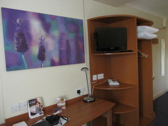 Premier Inn Northampton South (Wootton) Hotel: Room