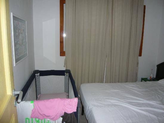 Trezene Villaggio: camera da letto