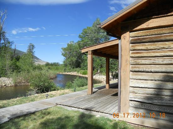 Vee Bar Guest Ranch: Location of rooms along the Little Laramie River