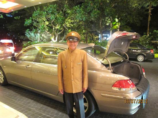 Shangri-La Hotel,Bangkok: Our driver to the airport