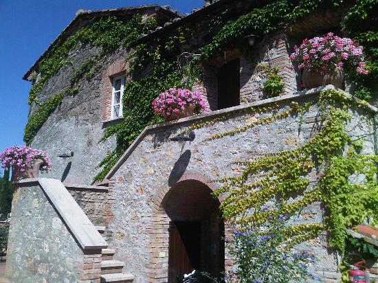 أجريتوريسمو لا سوفانا: Entrance to the rooms 