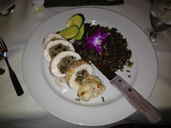 Justine's at the Gunflint Lodge: stuffed chicken breast