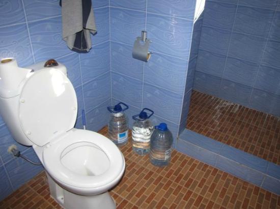 Coco Bay Villa: Bacinelle d'acqua