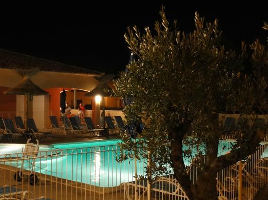 Résidence Odalys Le Mas des Flamants: zwembad