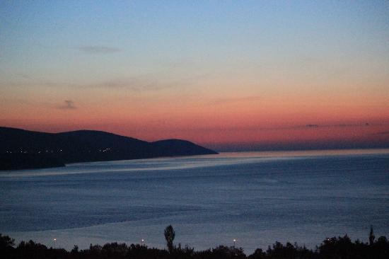 Les Trois Canards : Sunset