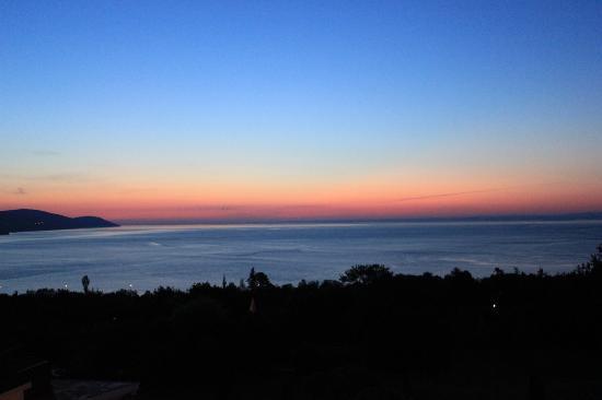 Les Trois Canards : Sunrise