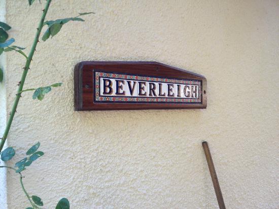 Beverleigh B&B: Entrance sign