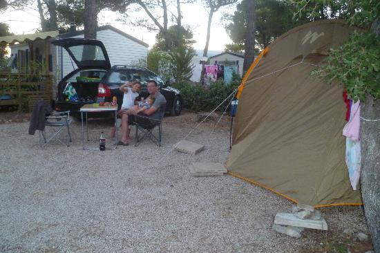 camping les grands pins le castellet