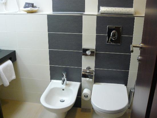 Best Western Premier Hotel International: salle de bain