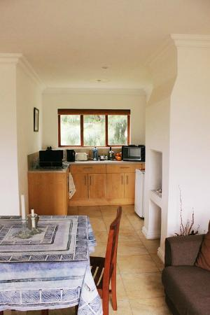 Stony Brook Cottages: Kitchen Area