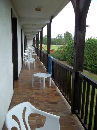 Hotel Restaurant du Lac Logis: Terrasse non privative