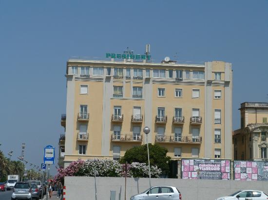 Hotel President: vista del hotel