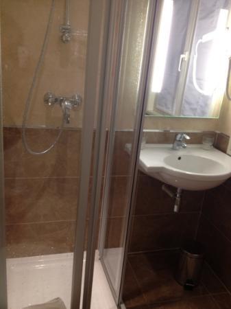 Hotel Bellevue: new bathroom