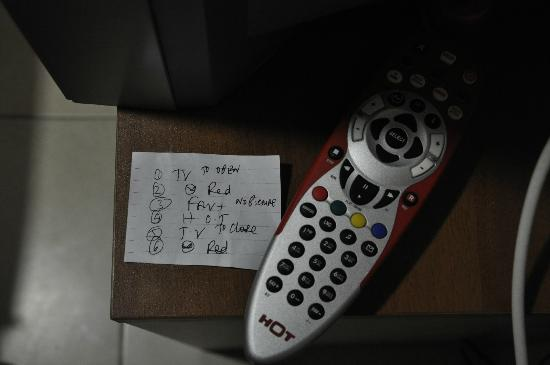 Aviv Spring Hostel : weired TV instruction