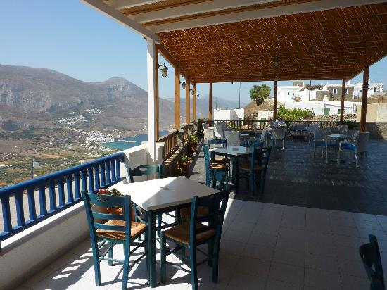 Vigla Hotel: View over the bay of Aegiali from the restaurant