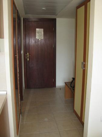 Golden Yavor Hotel: corridor