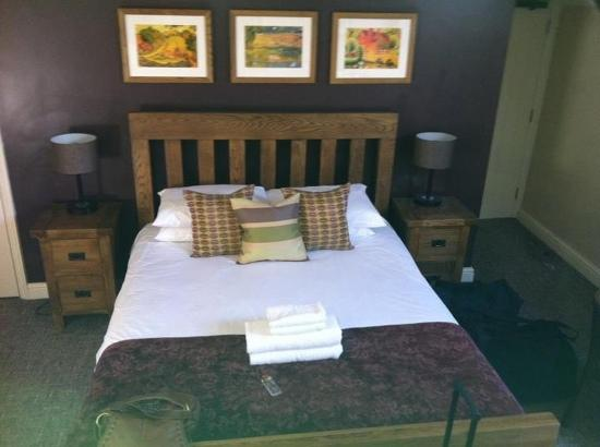 Colesbourne Inn: comfy bed