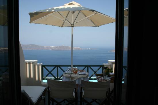 Anastasis Apartments: Breakfast on our balcony - AMAZING!!
