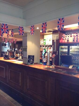 Broadway Pub: Main bar