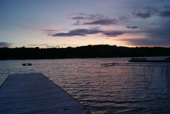 Fountain Point Resort: the start of sunset on the dock