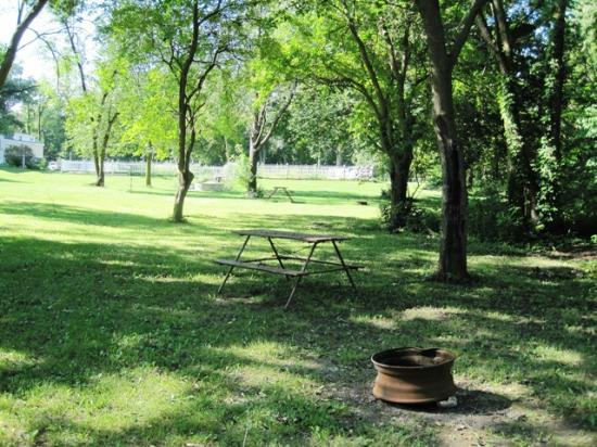 Michigan City Campground: Tenting Sites