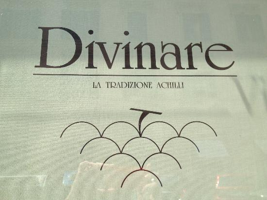 Enoteca Divinare: No big signs, just this in a window