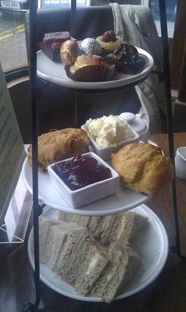 Leopold's Belgian Chocolates & Coffee House: Afternoon tea