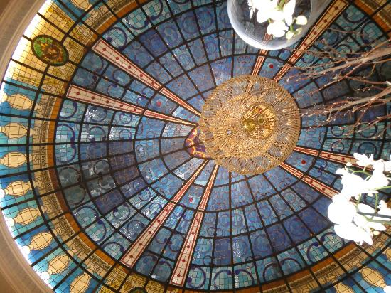 Gran Meliá Fénix: Grand main salon ceiling