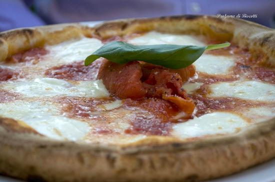 Pizzeria Asso De Cope: la meravigliosa pizza con pomodori confit