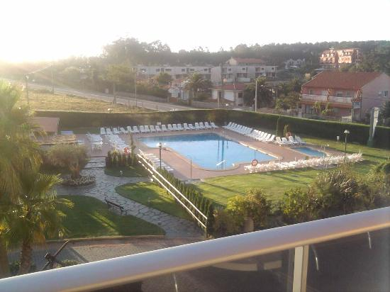 Hotel Spa Galatea: Zona de piscinas desde el balcón de la habitación