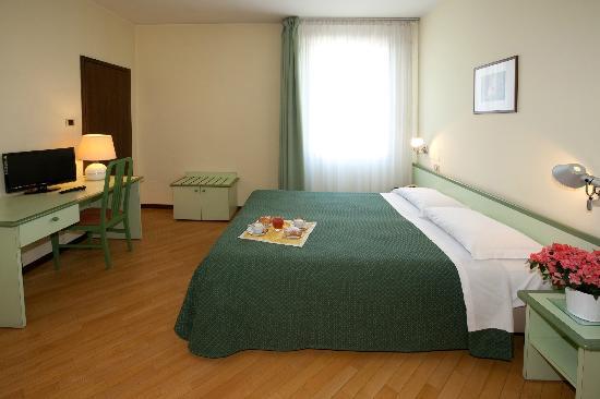 Valbrenta Hotel : camera matrimoniale