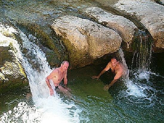 L'Hostellerie de Rennes-les-Bains: Massage naturel sous l hotel