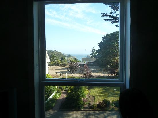 Glendeven Inn Mendocino: Ocean view from the main living room