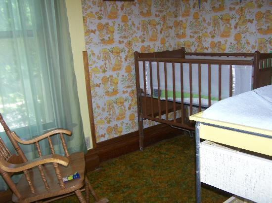 Shirley's VicTORy Inn: Nursery