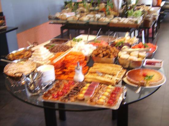 Pesce picture of les buffets du vieux port marseille tripadvisor - Restaurant libanais marseille vieux port ...