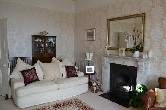 Highcliffe House: Living room