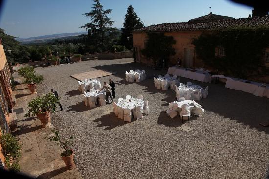 Villa Catignano : Сourtyard