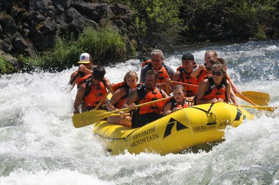 WorldMark Bend - Seventh Mountain Resort : Adventure Center offers white water rafting tours